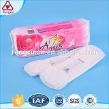 La sécurité de l'infini respirante ailé de coton à base de plantes non parfumé des serviettes hygiéniques