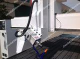Roteador de Cortador de espuma em 3D com o botão rotativo e girando o fuso