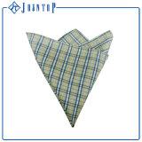 OEM卸し売りより安いポリエステルポケット正方形のハンカチーフ
