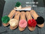 Madame de plastique Shoes de PVC avec le haut de fleur