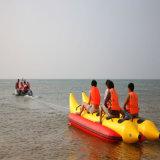 2-8 barca di banana gonfiabile dell'acqua del galleggiante dell'oceano delle persone con 2 tubi