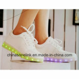 Form-laufender Skateboard-Freizeit-Schuh mit LED-Licht für Frauen