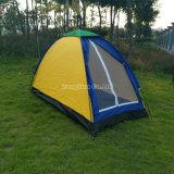 屋外の単層の子供のテント