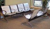公共の椅子