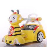 La conduite sur le véhicule joue le véhicule de batterie de gosses d'abeille à miel avec RC