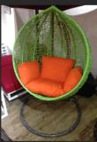 옥외 바구니 등나무 그네 팔걸이 1를 가진 거는 의자 발코니 의자