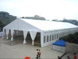 Tentes rayées rouges et blanches à vendre