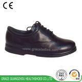 Diseño con cordones de los zapatos de cuero de zapatos de la salud de la tolerancia