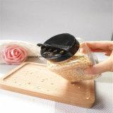 Coffre-fort et faire gagner le temps dans le choc de granules d'ail de cuisine