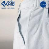 A forma das mulheres veste as calças lisas Bell-Bottom de linho dos mercadorias da praia