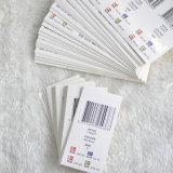 Стикеры при форма Hangtag прикрепляясь на одежде