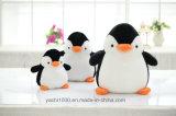 Blanco con negro felpa navidad pingüino con bufanda
