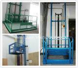 Projeto do elevador de bens dos elevadores hidráulicos do armazém