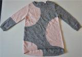 子供の円形の首によって模造されるニットのプルオーバーのセーター