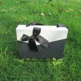 Rectángulo caliente del chocolate de la cubierta de la solapa de la venta con la decoración y la maneta de la cinta