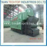 Carvão de vapor cheio da grande fornalha, água quente industrial de madeira e caldeira de vapor