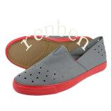 Chaussures de toile des hommes neufs chauds de type