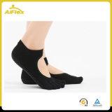 Calzini smussati di yoga della caviglia per le donne