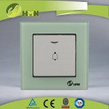 Vetro temperato certificato 1gang di standard europeo dei CB del CE di TUV con l'interruttore ROSSO di spinta di segnalatore acustico del LED