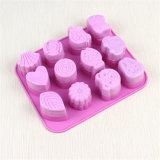 12 moldes animais bonitos do sabão do silicone pequeno das pilhas Sy03-04-017
