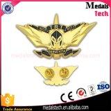 Distintivo su ordinazione poco costoso di Pin di Laple del randello di leoni del metallo
