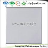 ISOの中国の工場はローラーのコーティングの印刷のMeatlの天井のタイルを作った