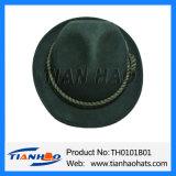 Traditioneller BergApline Hut mit Baumwolseil