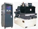 Het micro-Gat van de hoge snelheid EDM de Machine van de Verwerking/de Machine van de Boring van de Prik EDM
