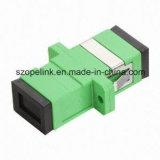 光ファイバケーブル及びパッチ・コードのための光ファイバアダプター