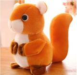 Jouet animal de peluche d'écureuil mignon