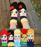 Nouveau style de dessin animé de garçons et filles de chaussettes