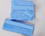 Essuie-main d'hôtel/à la maison de coton de Bath/face/main avec le logo d'Embroideried