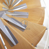 Escadas prefabricadas interiores em madeira sólida escada em espiral
