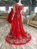 Uma linha 3/4 vestido de noite vermelho da luva com grânulos da cor
