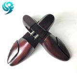 ペンキカラー黒の木製の靴の木をカスタム設計しなさい