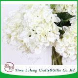 In het groot Hydrangea hortensia van de Bloemen van de Visie van de Zijde van de Bloemen van de Stam van de Decoratie van het huis de Kunstmatige Enige