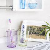 Plastikdreieck-Cup u. Wasser-Becher
