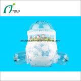 Tecido descartável do bebê barato do tecido do bebê da polpa do fluff com fita mágica
