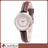 Madame montre-bracelet de saphir de courroie en cuir de quartz de diamant de mode