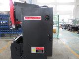 Macchinario di sotto di piastra metallica del freno della pressa di CNC dell'azionamento del servo strato elettroidraulico di Tr3512 Amada