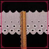 カスタマイズされたデザインは受け入れられた安い刺繍のレースである