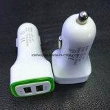 De dubbele Lader van de Auto USB met het LEIDENE Licht van de Indicator
