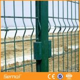 Recubierto de alta calidad barato PVC valla de alambre soldado malla de triángulos
