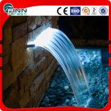Il LED colora la cascata dell'interno chiara della parete dell'acciaio inossidabile
