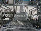正方形の網パネルが付いている高力FRP階段踏面