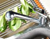 Le chrome Polished moderne retirent le robinet en laiton de cuisine