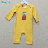 Le bébé jaune de couleur vêtx le bébé fait sur commande Playsuit de taille