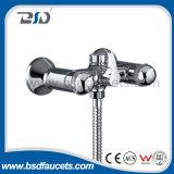Latón doble cromado mezclador de la maneta del grifo de la ducha del baño montado en la pared