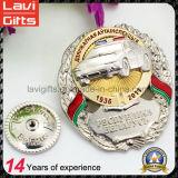 カスタム3D消防士の金属のエナメルの記念品のバッジ