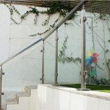 스테인리스 포스트를 가진 현대 단순한 설계 발코니 유리제 방책